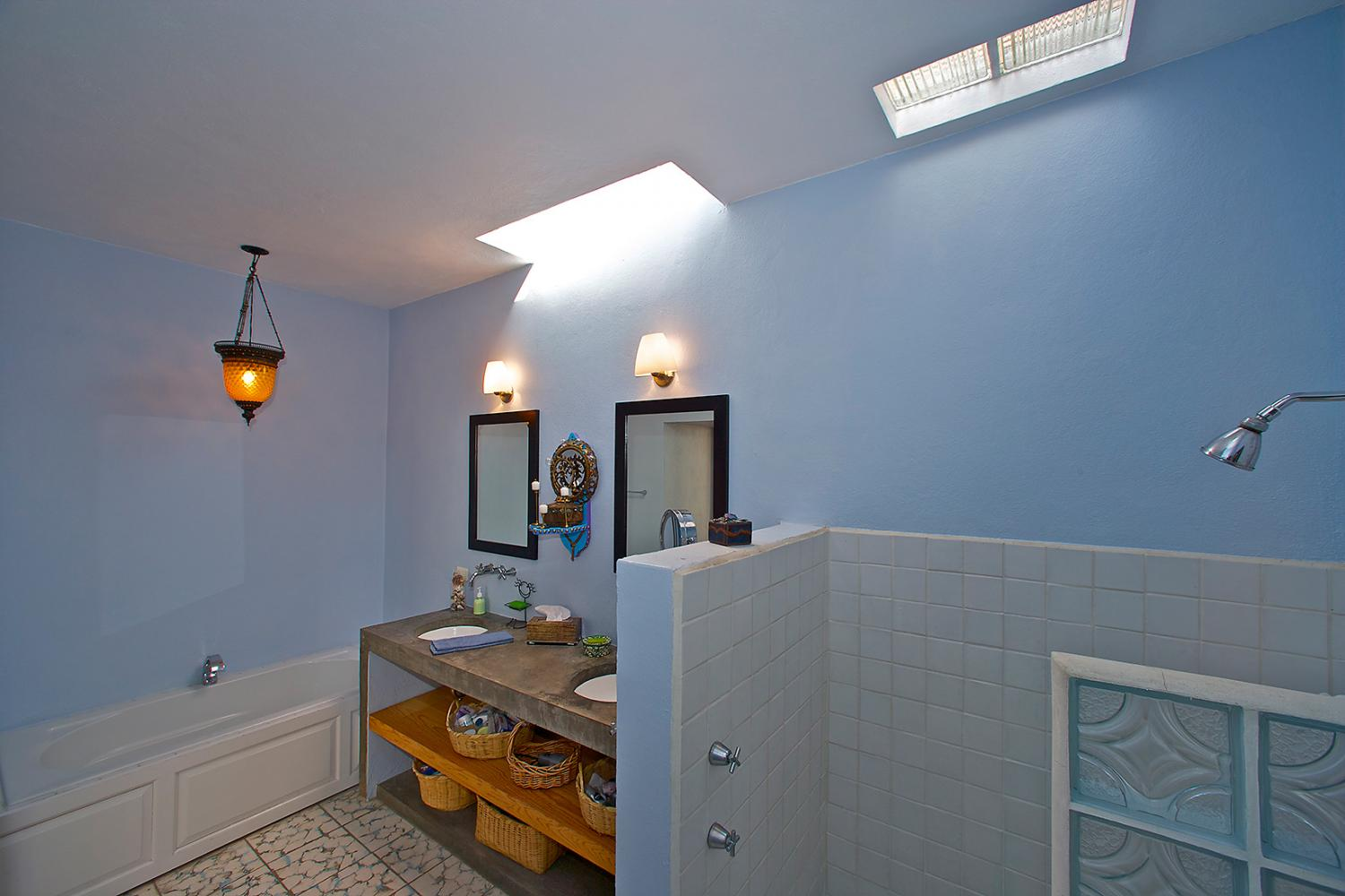 San Rafael Casa Oasis Master Bathroom with Shower and Tub